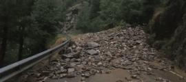 La carretera CG6 d'accés a Os de Civís ha estta reoberta a dos quarts de vuit del matí.