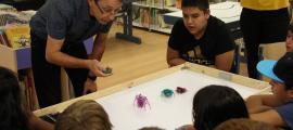 El taller de robòtica que s'ha celebrat aquest dimecres a la biblioteca comunal d'Encamp.
