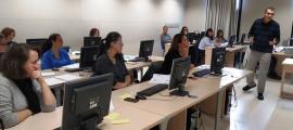 Un moment del curs organitzat per la Biblioteca Nacional d'Andorra.