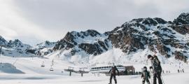 Esquiadors a les pistes d'Arcalís.