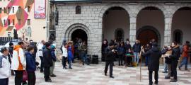 Encants de Sant Antoni a la plaça de l'església de Sant Pere Màrtir.