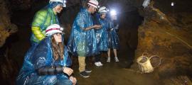 Visitants a la mina de Llorts.