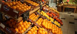 Fruiteria d'una gran superfície comercial.