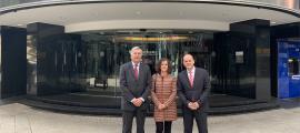 Els representants de les tres institucions que treballen en l'estudi: Fernando Ramoneda (Iniced), Pilar Escaler (CCIS) i Ignasi Martín (MoraBanc).