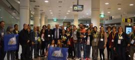 Les dues famílies refugiades a la seva arribada a l'aeroport del Prat, abans d'emprendre el viatge cap a Andorra, l'octubre passat.
