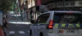 Un cotxe policial al centre d'Andorra la Vella.