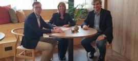 Signatura de l'acord entre Ingeni Coworking i AUTEA.