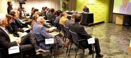 Una conferència anterior de Víctor Pou a Crèdit Andorrà.