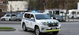 Un vehicle de la policia durant un control.