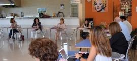 Un moment de la reunió del Consell de les escoles, presidida per la ministrra d'Educació i Ensenyament Superior, Ester Vilarrubla.
