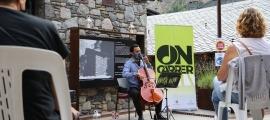 L'actuació de Jordi Claret, la setmana passada, al cicle ON-Carrer.