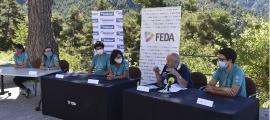 Presentació de les samarretes solidàries de la Ronda per la infància.