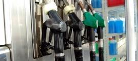 Uns sortidors de gasolina.