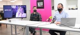 El responsable del Niu, Miquel Gouarré, i l'emprenedor Xavi Camacho, durant la presentació de l''start-up'.