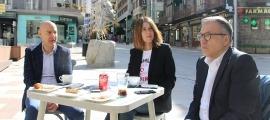 El cònsol menor d'Escaldes-Engordany, Joaquim Dolsa; el conseller de Vida Cultural, Valentí Closa i la cap de departament de Cultura, Anna Garcia, durant la roda de premsa.