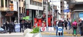 La policia, els agents de circulació i els bombers van muntar un dispositiu per l'atenció i trasllat dels ferits.
