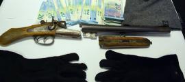Material incautat al detingut.