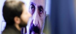 El ministre Benazet ha comparegut de nou via skype aquest migdia.