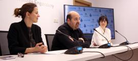 La cònsol major d'Escaldes-Engordany, Rosa Gili; el president del MoraBanc Andorra, Gorka Aixàs, i la directora d'Unicef Andorra, Marta Alberch, durant la presentació de la 6a edició del 'Champions for Unicef'
