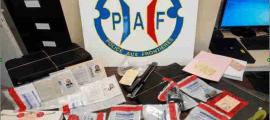 El material falsificat decomissat en l'operació.