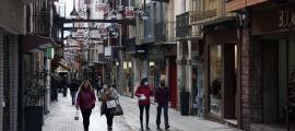 Imatge que oferia el carrer Major de Puigcerdà aquest matí.