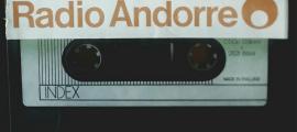 Cinta de casset amb l'enregistrament del porgrama 'Carta Blanca' que s'emet dissabte.