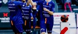 Els jugadors del BC MoraBanc Andorra lluiran una temporada més el logotip d'Assegurances Catalana Occident a la samarreta.