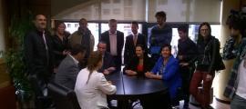 Els candidats de la llista de CC+DA+L'A mentre esperaven la validació de la candidatura.