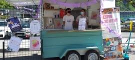 La 'food truck' que s'instal·la cada dimecres al Prat del Roure.
