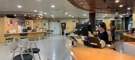 El servei de Tràmits a l'edifici administratiu del Govern.