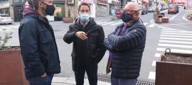 Els representants socialdemòcrates en la seva visita al Pas de la Casa.
