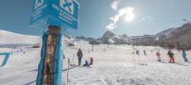 Esquiadors a les pistes d'esquí de Grandvalira.