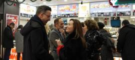 ANA/ La ministra de Cultura, Jovetut i Esports, Olga Gelabert, conversa amb el cònsol menor d'Andorra la Vella, Marc Pons