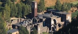La festa del poble se celebra a l'entorn del santuari.