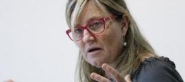 La catalana Mònica Geronés és psicopedagoga, va participar en l'elaboració del Llibre Blanc de la Igualtat i coordina també el Llibre blanc del transtorn de l'espectre autista.