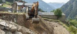 Els treballs iniciats a l'entrada del poble de Prats.