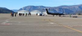 La pista d'aterratge de la futura instal·lació seria de dos quilòmetres i mig, el doble que la de l'aeroport d'Andorra-la Seu d'Urgell.