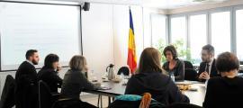 La directora general d'Escola Andorrana, Esther Vilarrubla, i el ministre d'Educació i Ensenyament Superior, Èric Jover, ahir.