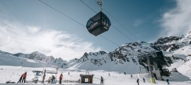 Esquiadors a les pistes d'Ordino Arcalís.