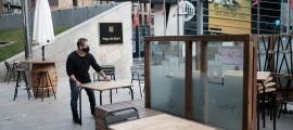 Últims retocs en la situació de les taules al Don Piaccere.