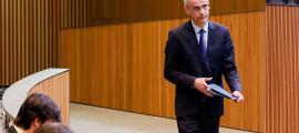 """El cap de Govern, Antoni Martí, va censurar durament el parlamentari del PS Pere López per dir que """"no hi ha separació de poders""""."""