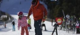Esquiadors a les pistes del sector de Pal.