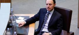 El titular d'Afers Socials, Justícia i Interior, Xavier Espot, ahir durant el debat de les reserves d'esmena als comptes per al 2018.