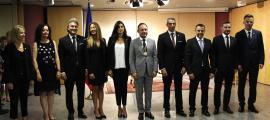 El cap de Govern amb els vuit secretaris d'Estat que van jurar ahir el càrrec.