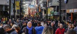 L'avinguda Meritxell plena de turistes aquest hivern.