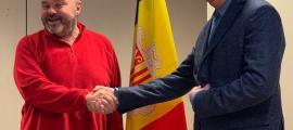 El secretari general de l'USdA, Gabriel Ubach, i el president de la CEA, Gerard Cadena, escenifiquen l'entesa assolida.