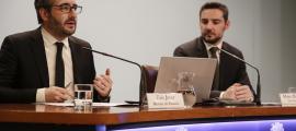El ministre de Finances, Eric Jover, amb el secretari d'Estat d'Afers Financers Internacionals, Marc Ballestà, ahir.