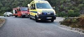 Els vehicles d'assistència desplaçats al lloc dels fets.