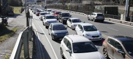 Uns 18.000 vehicles diaris han entrat els primers dies de vacances.