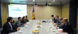 Un moment de la reunió d'ahir entre les delegacions andorrana i espanyola.